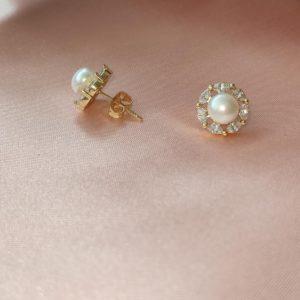 Topos con perla blanca